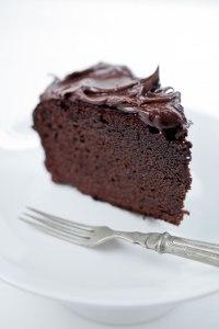 Naked-Chocolate-Cake-Graded-White-2736-652x978